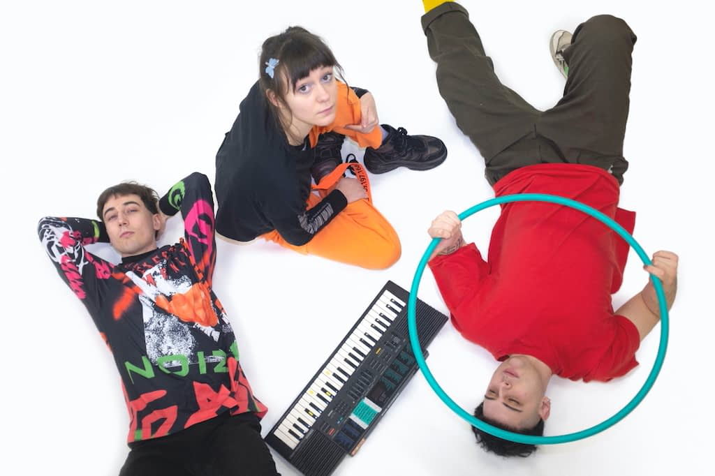 """Tapeworms опубликовали дебютный лонгплей """"Funtastic"""" 1"""