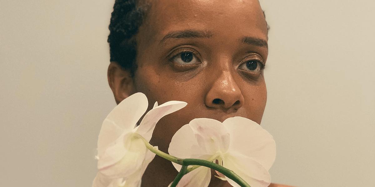 Джамила Вудс записала атмосферный R&B трек «SULA (Paperback)», вдохновленный работой Тони Моррисон 1