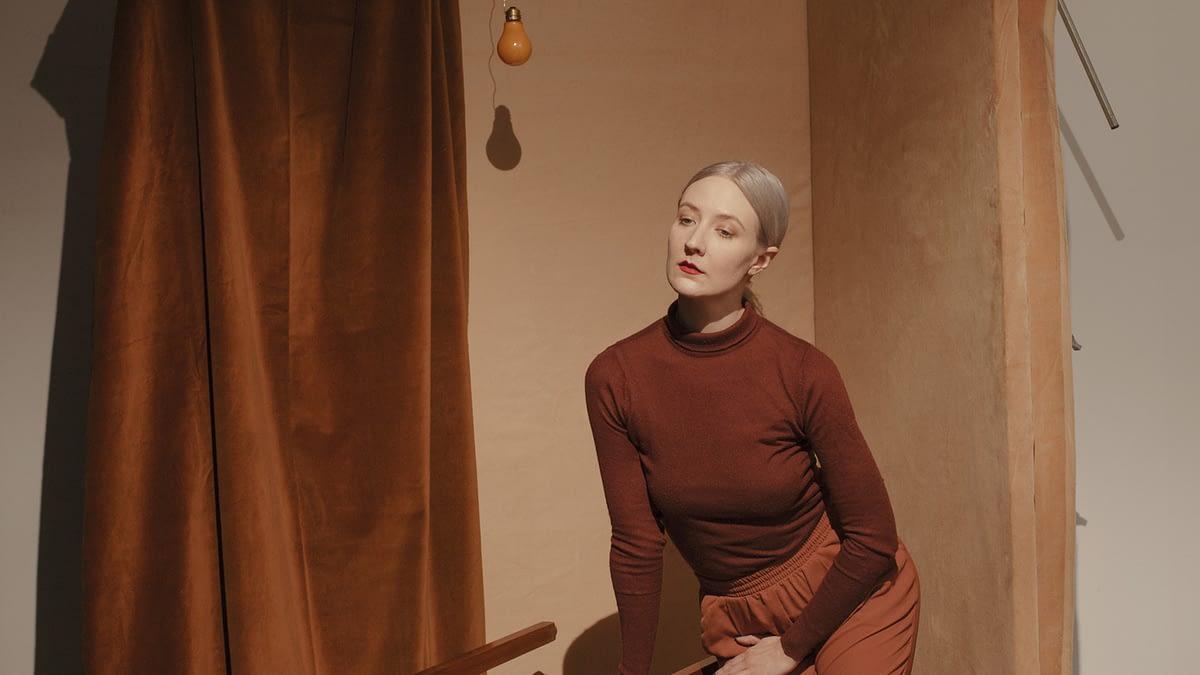 "Kinlaw совмещает музыку и ASMR в новом сингле ""drama in the south"""