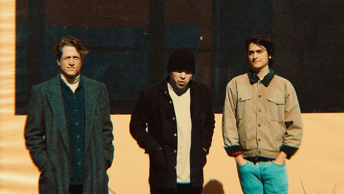 """Slideshow ностальгируют по 80-ым в дебютном сингле """"Midnight Language"""" 1"""
