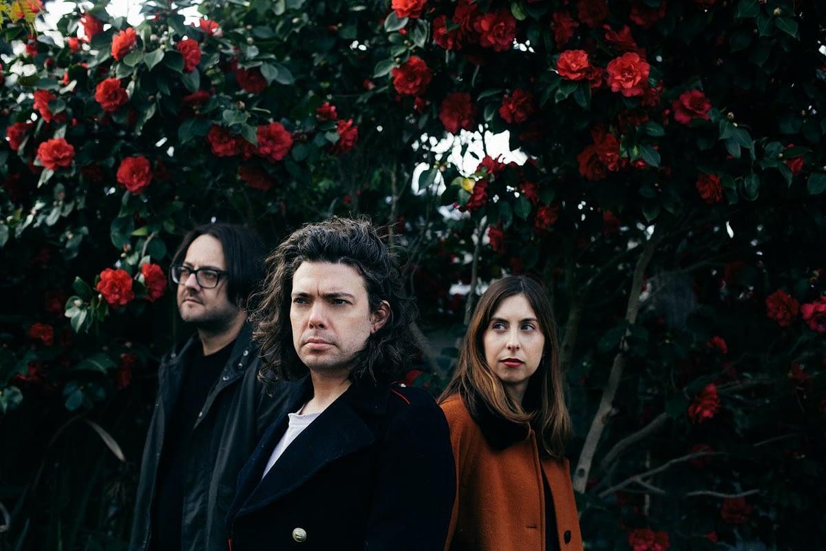 """Мельбурнское шугейз трио Lowtide представило новый сингл """"Elizabeth Tower"""" с грядущей пластинки """"Southern Mind"""""""
