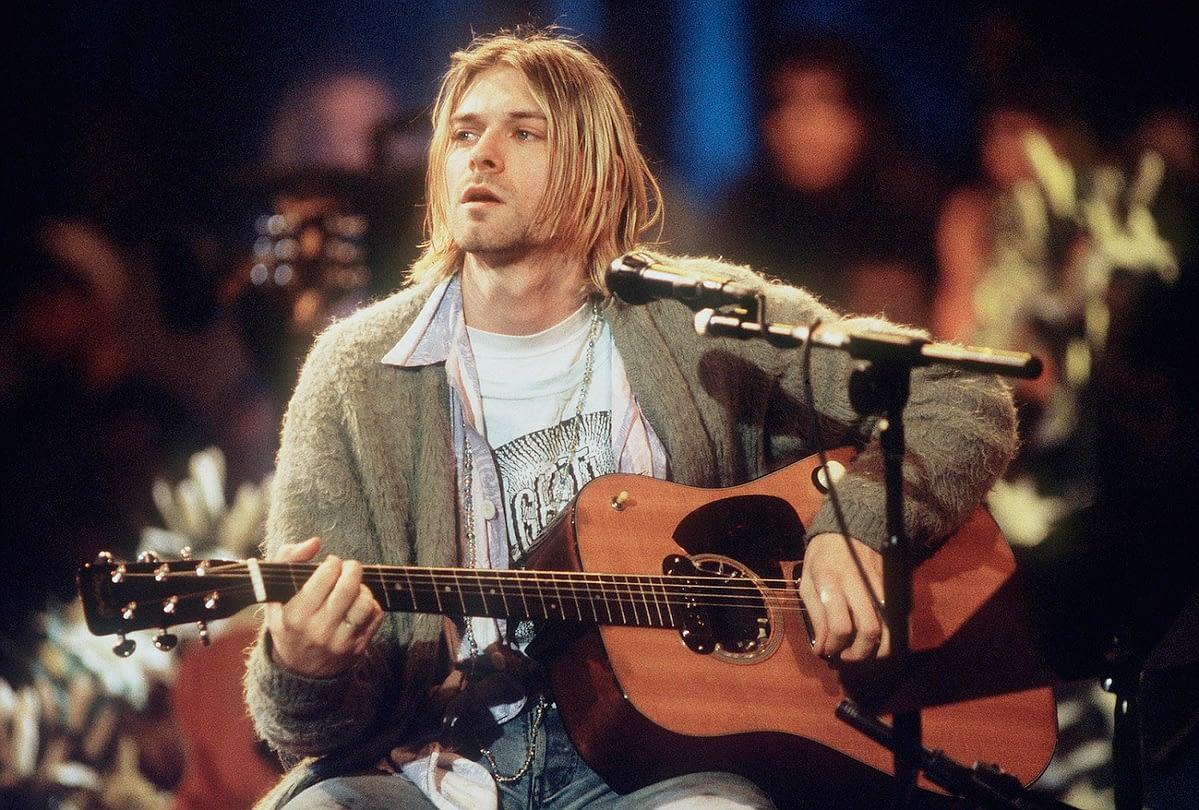 Акустическая гитара Курта Кобейна ушла с молотка за рекордную сумму 1