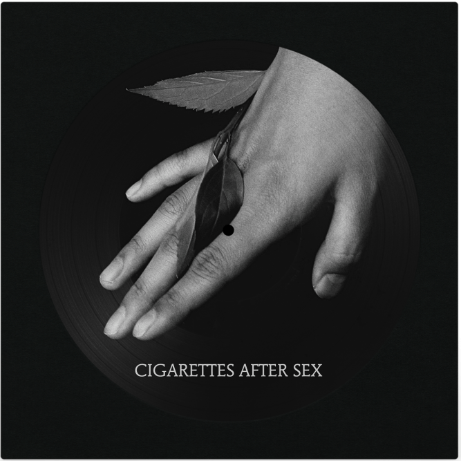 Эмбиент-поп версия беззаветнго романтизма в дебютном одноименном альбоме Cigarettes After Sex